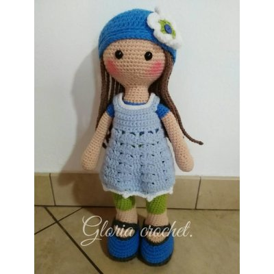 Bambola in amigurumi Clementina