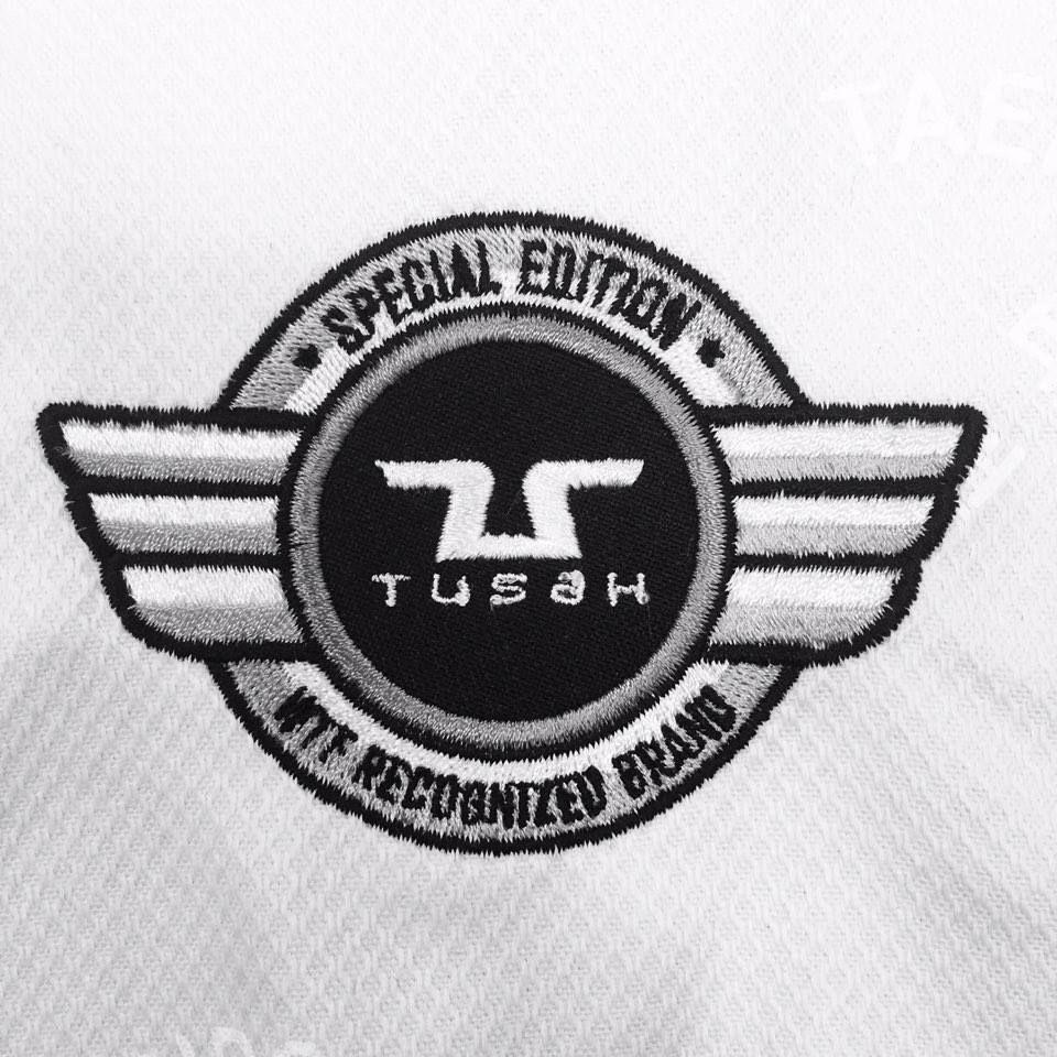 TDobok Ultraleggero per Taekwondo Tusah Premium Fighter collo Nero Omologato WT WTF MADE IN KOREA