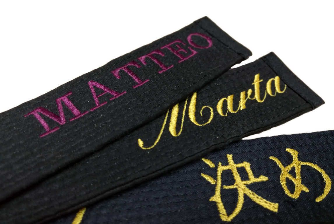 Cintura Nera Tusah Fighter per Taekwondo Karate e Judo con custodia Magnetica 100% Cotone di alta qualità