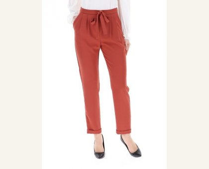 fc69f440b552 Pantalone Fluido Con Pinces Kocca Cod. ELINA. € 85