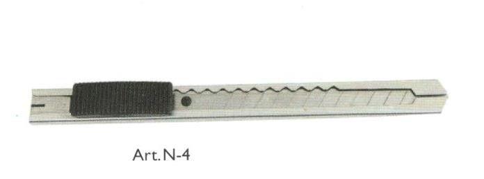 Cutter in acciaio con lama a spezzare mm 9