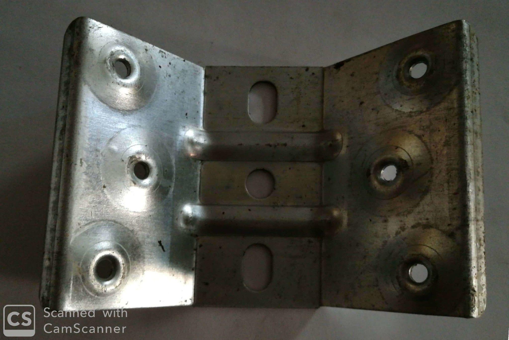 Piastra ad angolo per tavoli rinforzata in ferro zincato