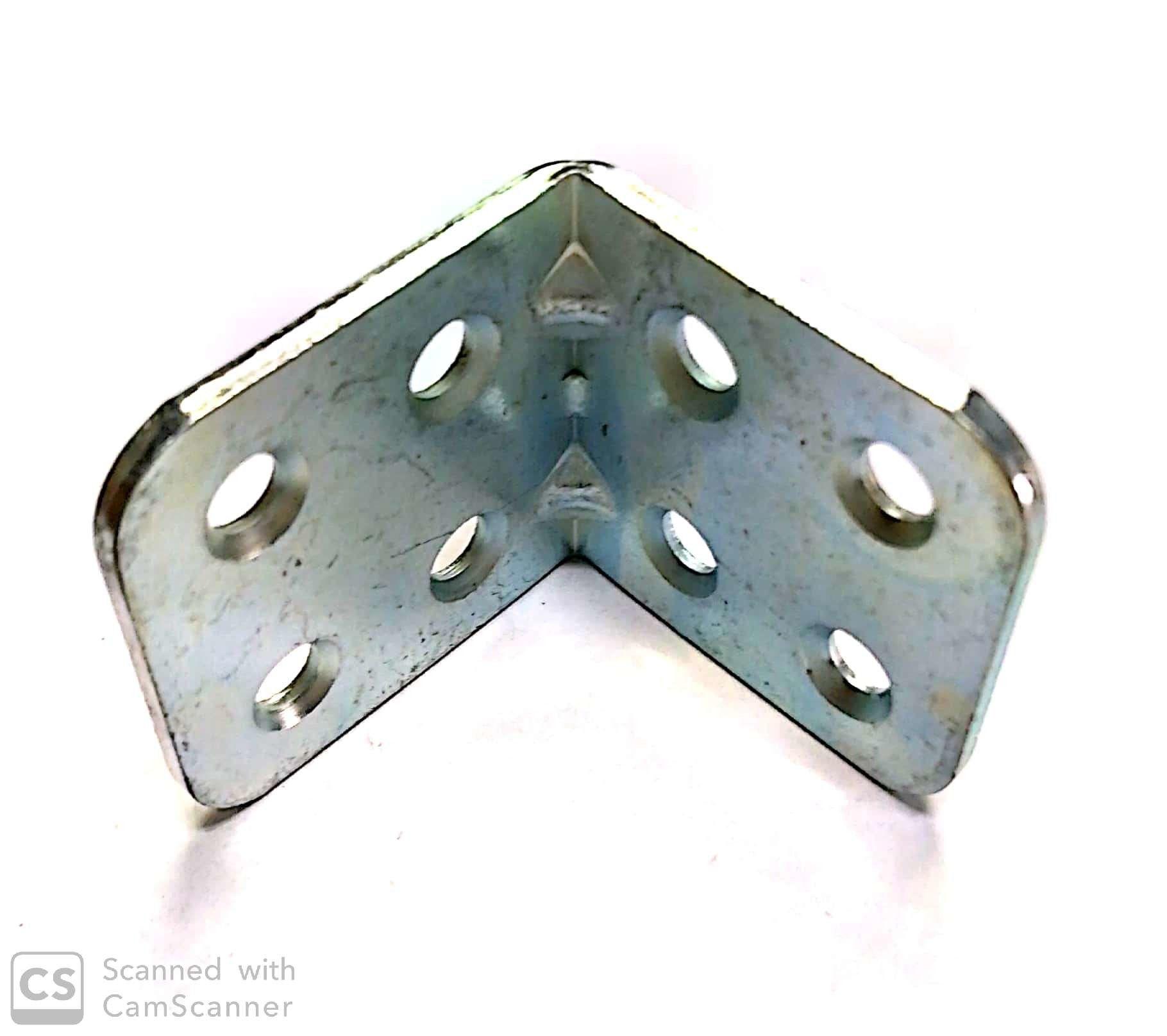 Piastrina pesante ad angolo mm 30 x 30 in ferro zincata