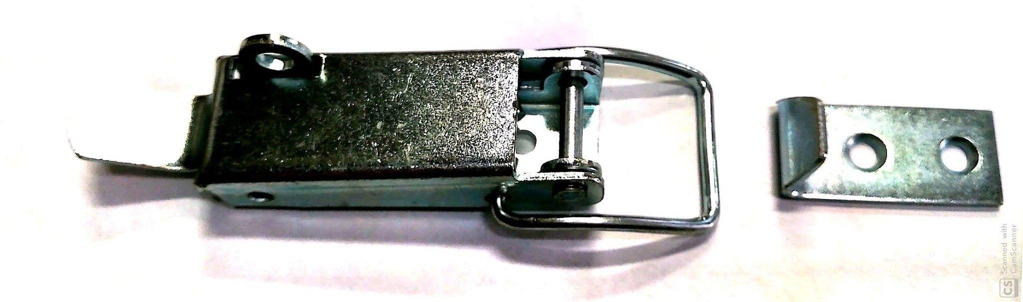 Chiusura a leva con portalucchetto  tipo G in ferro zincato