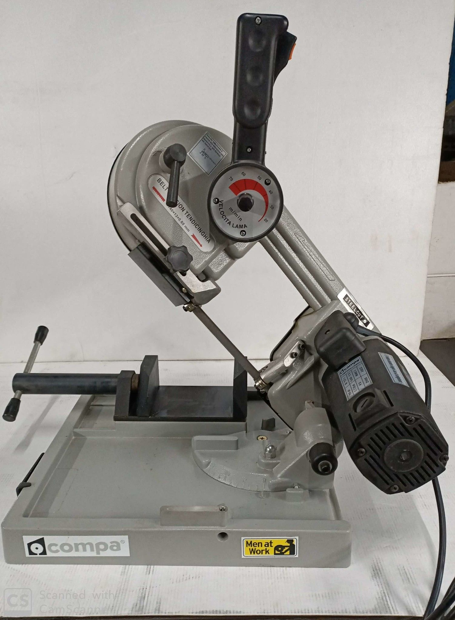 Troncatrice a nastro per metalli COMPA SC 1140
