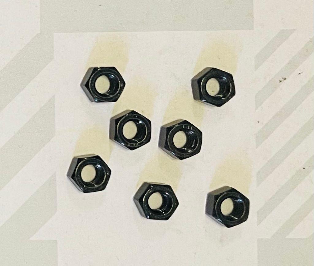 Dado esagonale zincato NERO mm 6
