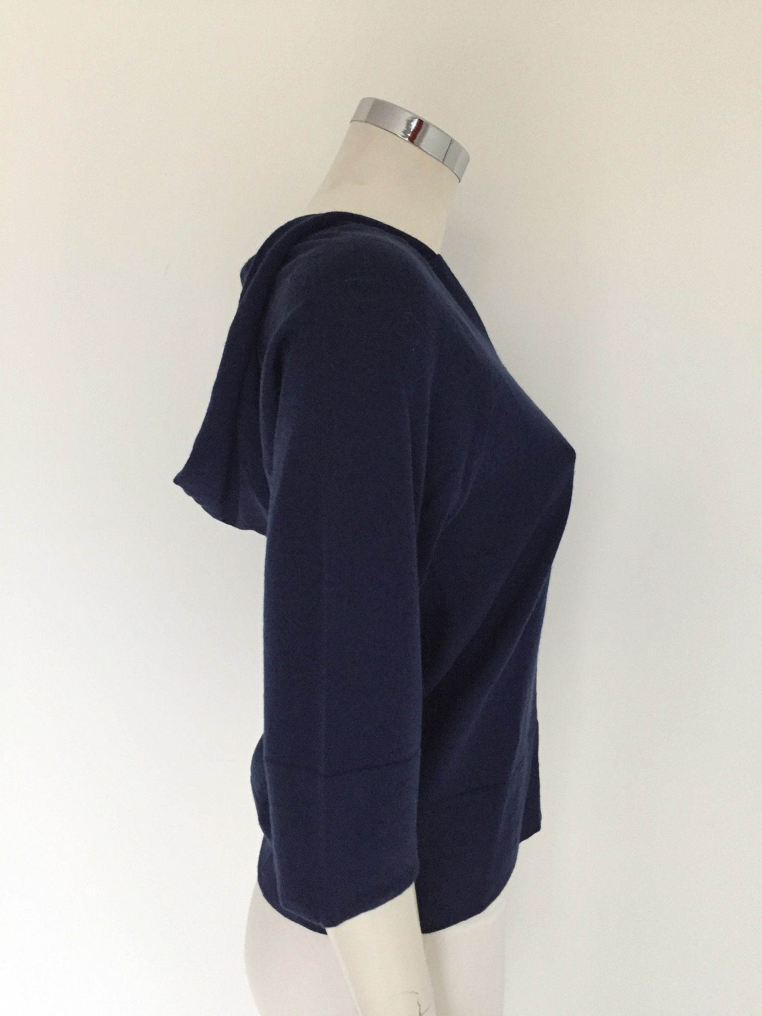 Short Sweater with Buttons on the Sides Cod.15IV802