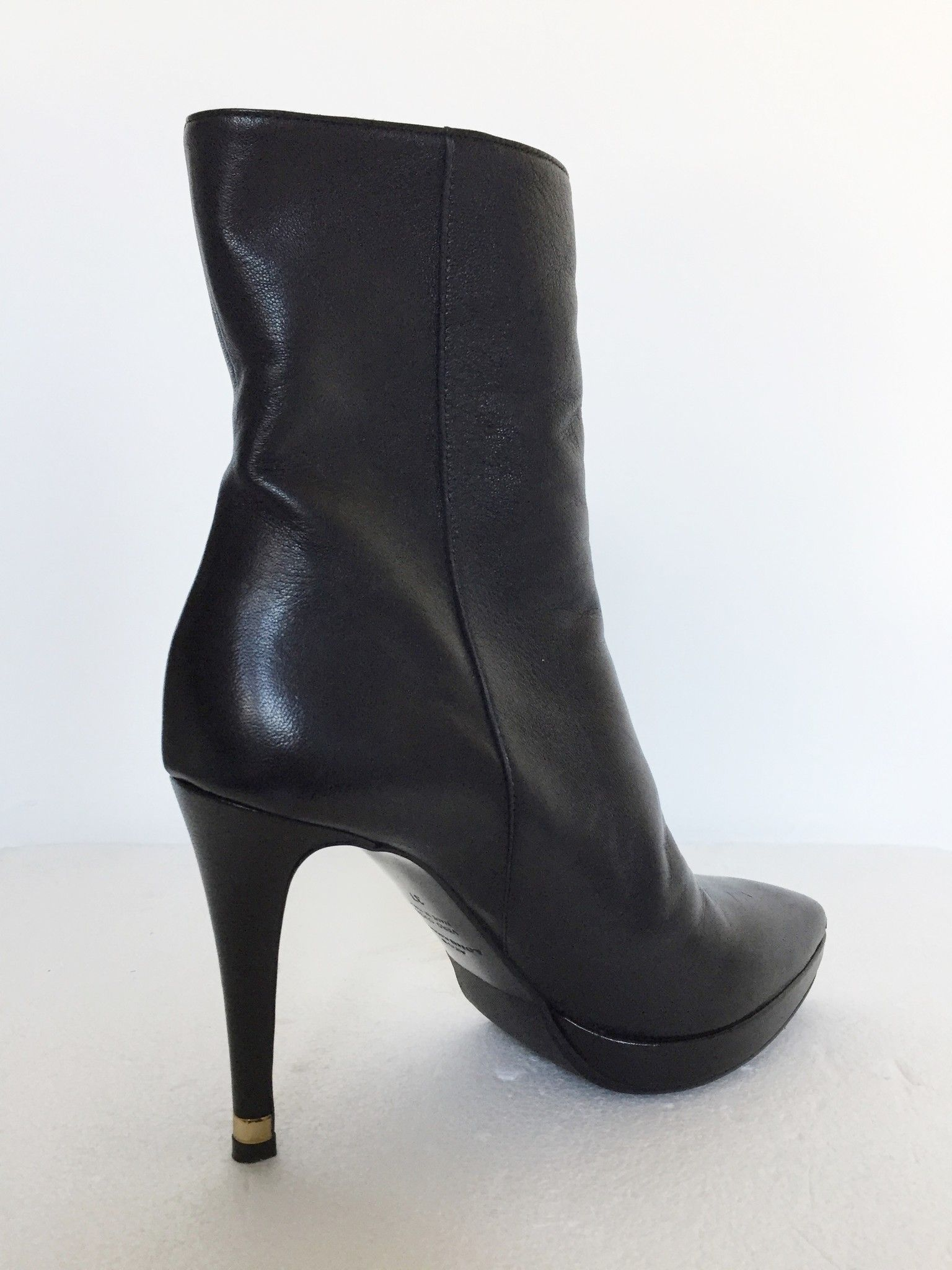 Atos Lombardini Leather ankle boots Cod.0002