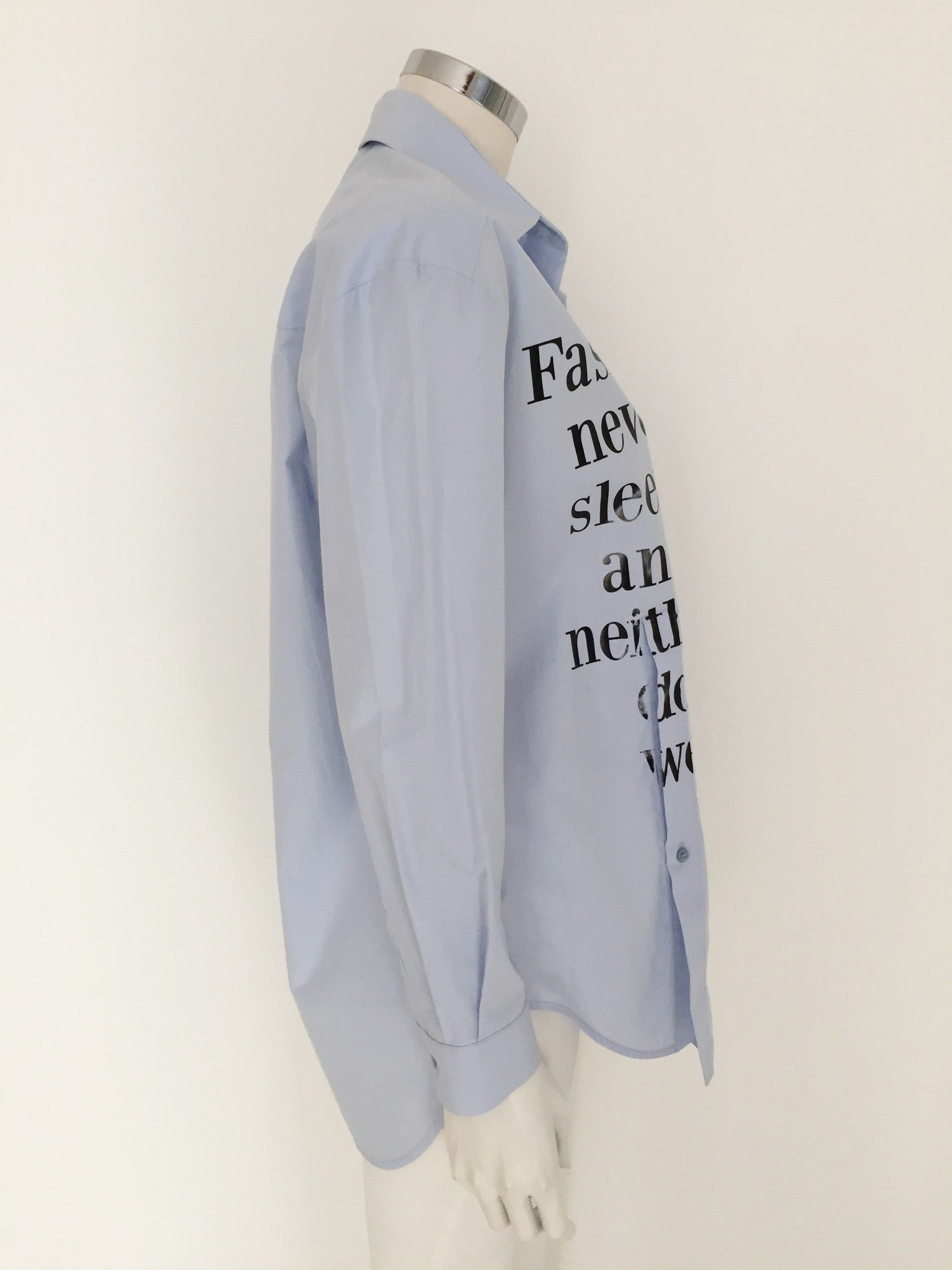 "Shirt with ""Fashion"" Written NGF42"