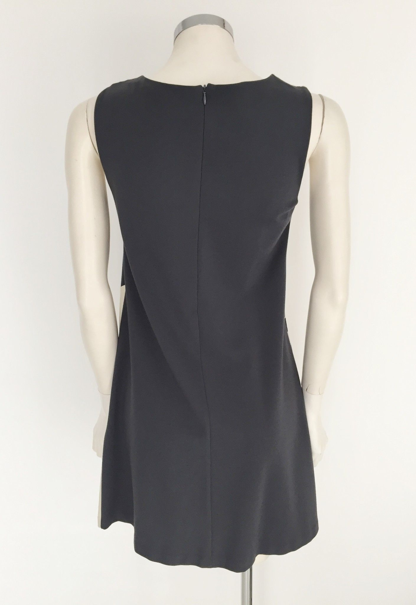1One Sleeveless dress with Optical Inserts Cod.0107