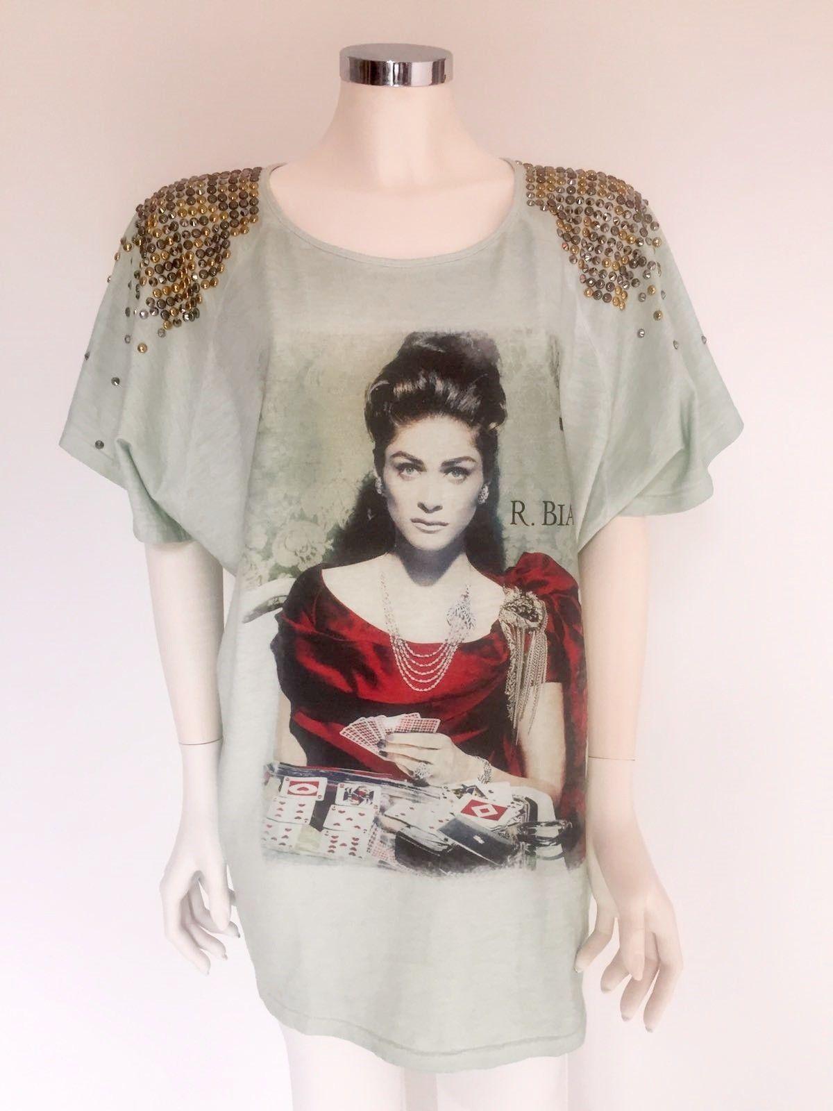 T-Shirt Roberta Biagi Over lunga a mezzamanica stampa con borchie e  Swarovski sulla spalla b7308dbc17e