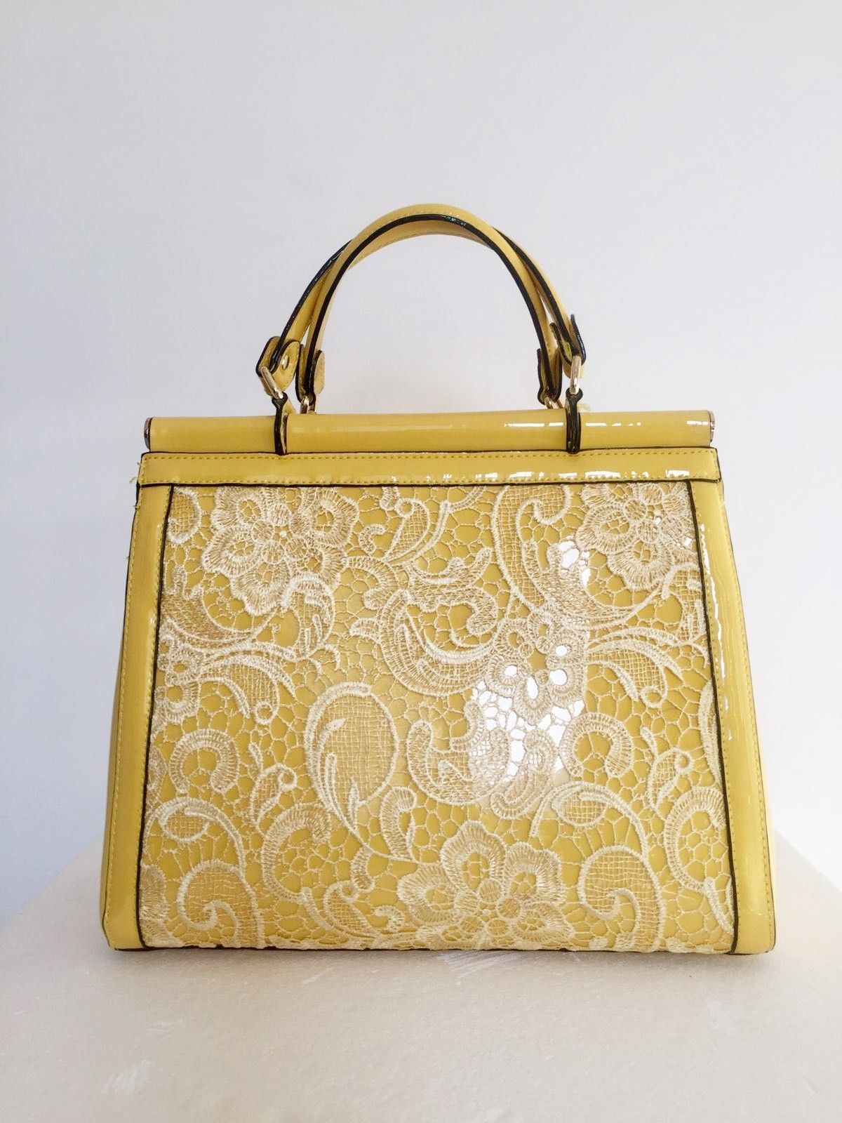 Patent leather handbag with lace Cod.1013