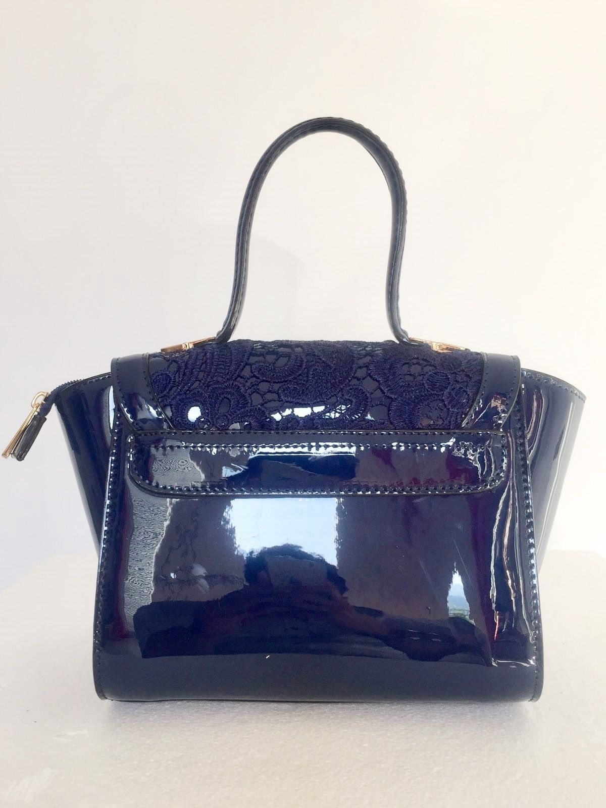 Bag patent leather and lace Cod.1019