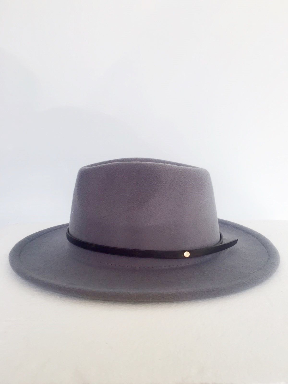 Boiled wool hat with faux leather Trim Cod.1022