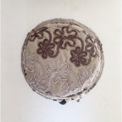Cappello Damascato Tondo in Lana Cotta con Fiore cod.1020