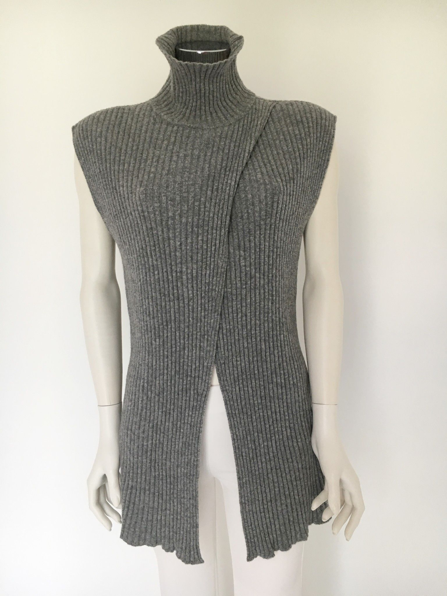 Katia G. Sleeveless Ribbed Polo Neck Sweater Cod.1922