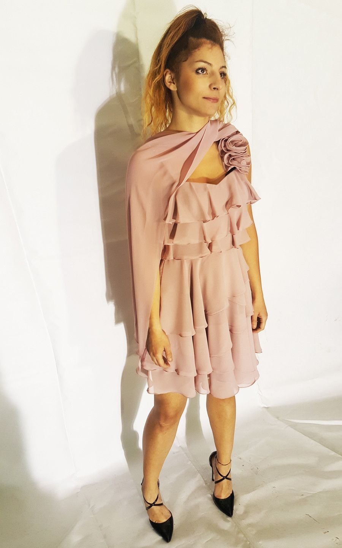 outlet store 2ffb2 9b982 -60% Abito Corto a balze, colore rosa cipria | Abbigliamento Donna Abiti |  Shop Online: Outlet Onde