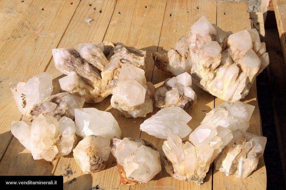 Agglomerati di cristallo di rocca del Madagascar - 1 kg