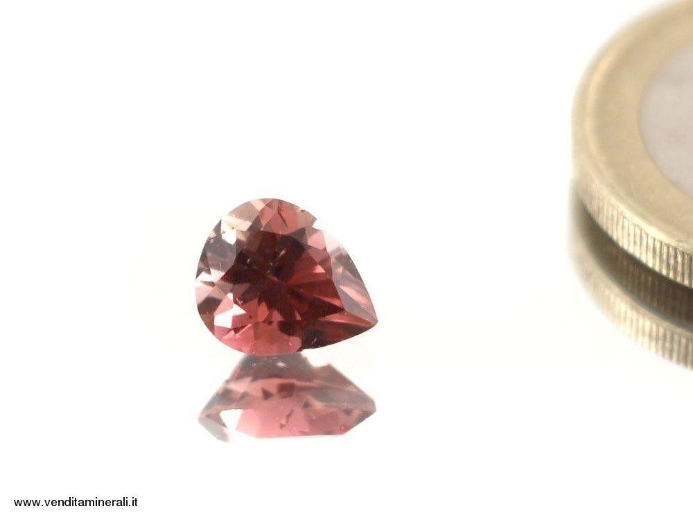 Rubellite - tormalina rossa sfaccettata