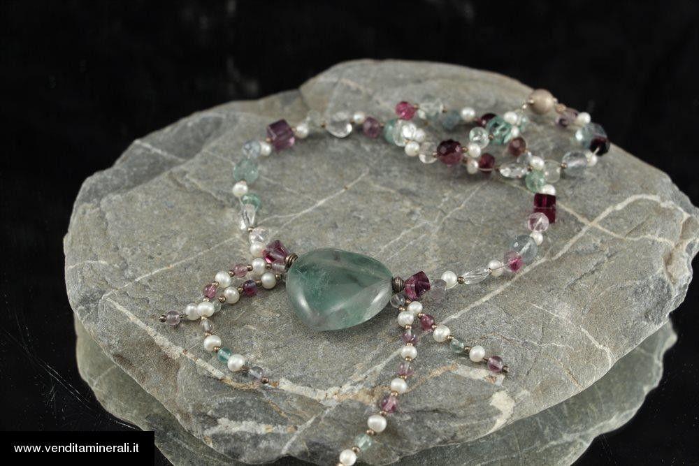 Catena di fluorite con perle