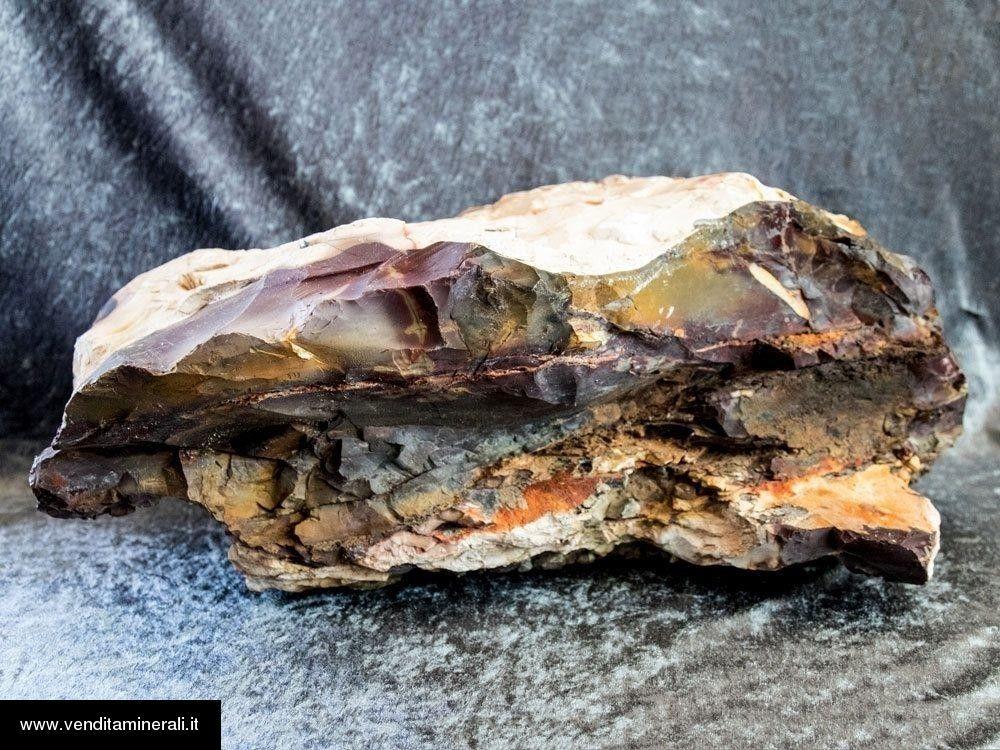 Grande pietra grezza di Mookait
