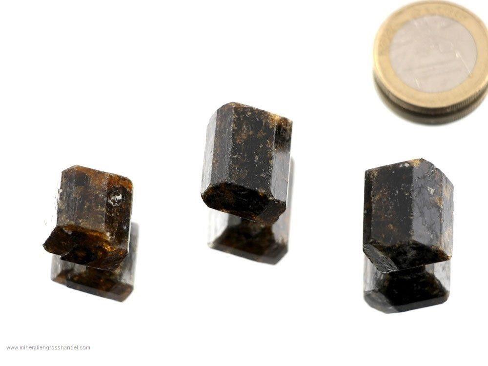 Dravite - cristalli di tormalina marrone 3