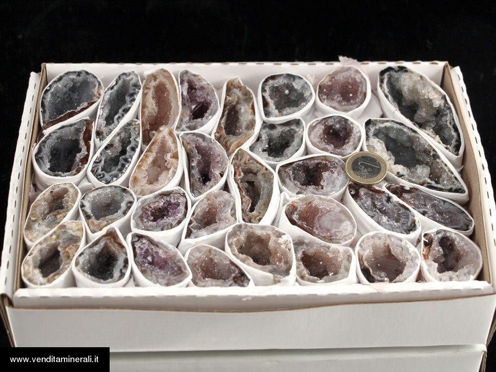 Geodi di Agata in vassoio
