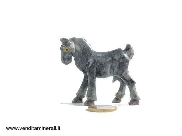 Cavallo in marmo naturale