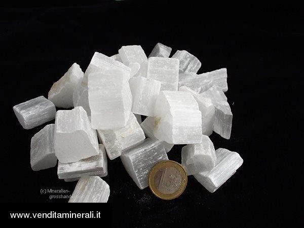Selenite - piccole pietre grezze (2-5 cm) - 1 kg