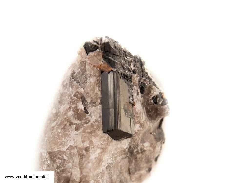 Cristallo di tormalina con superficie terminale