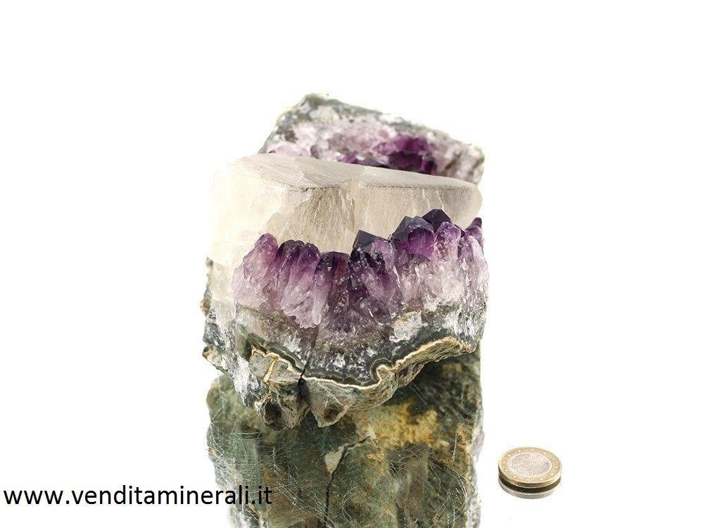 Cristallo di calcite su ametista (rep.)
