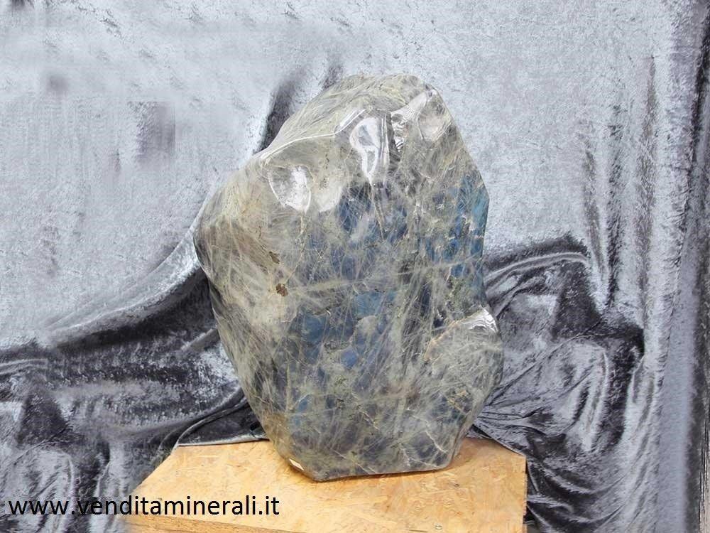 Labradorite formato XXL - lucidato a forma naturale