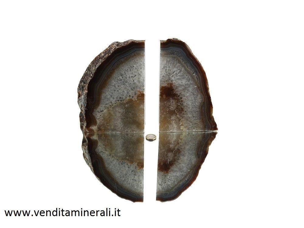 Fermalibri in Agata
