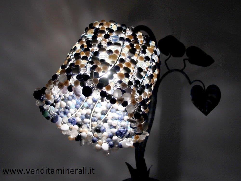 Lampada in pietra preziosa