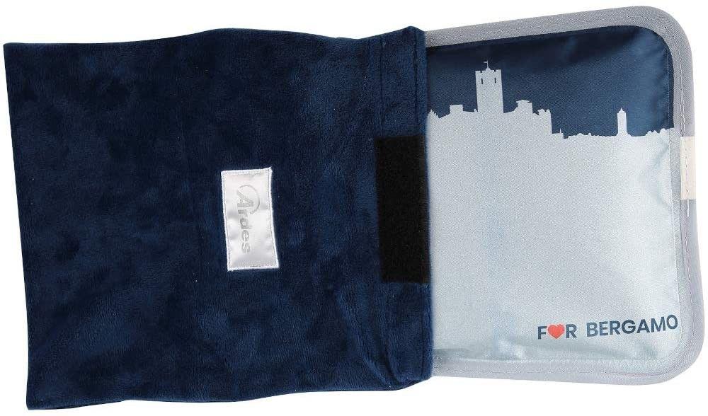 Ardes 076 AR076A Scaldino Sole Mio Soft for Bergamo a Forma di Cuscinotto con Custodia in Morbido Pile con Skyline BG, Caldo per 6 Ore, Azzurro Blu