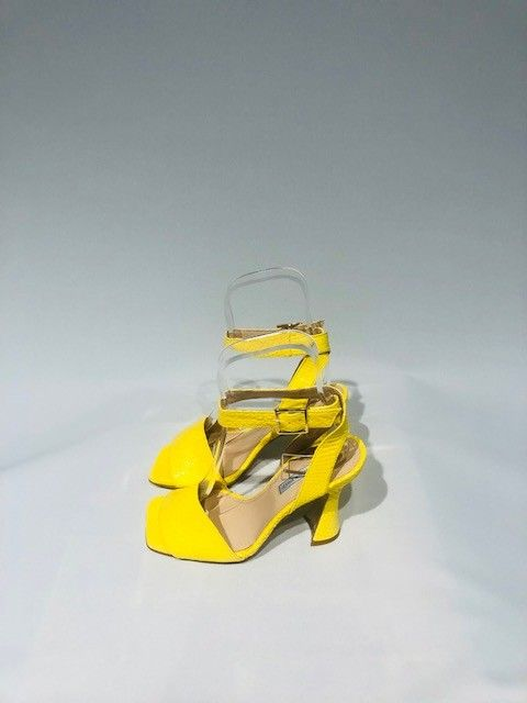 Sandalo tacco giallo LE VIOZZI