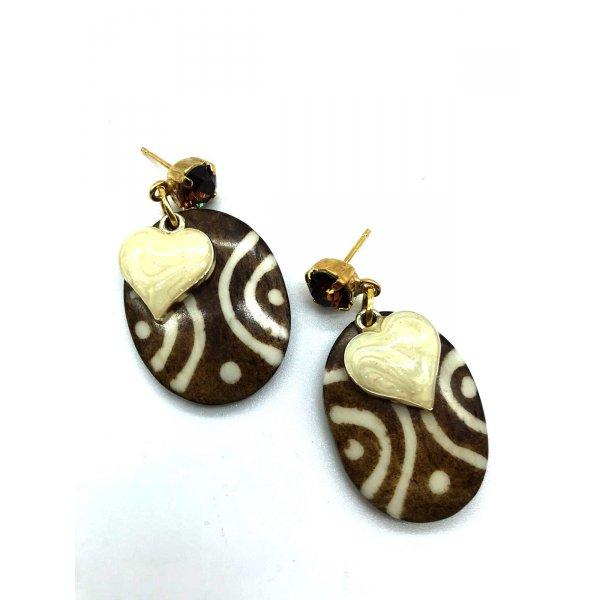 Orecchini in legno ovale con cuore