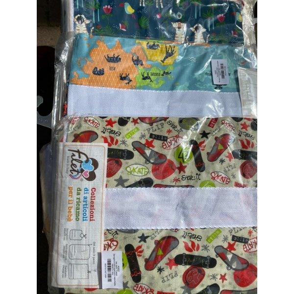 set per asilo tre pezzi da ricamo della filet bavaglia mis.28per35cm asciugamano 35per50cmsacchetto 34per42cm