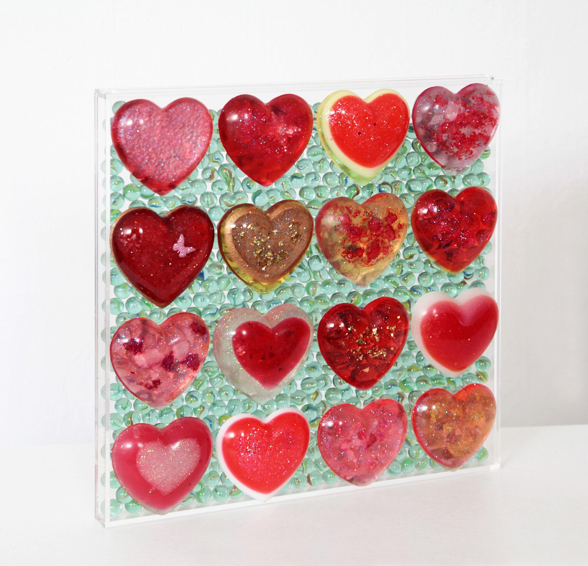 SCULTURA DANIELA FORCELLA  ' RED HEARTS' GAME '  dimensioni L 60 x H 60 cm.