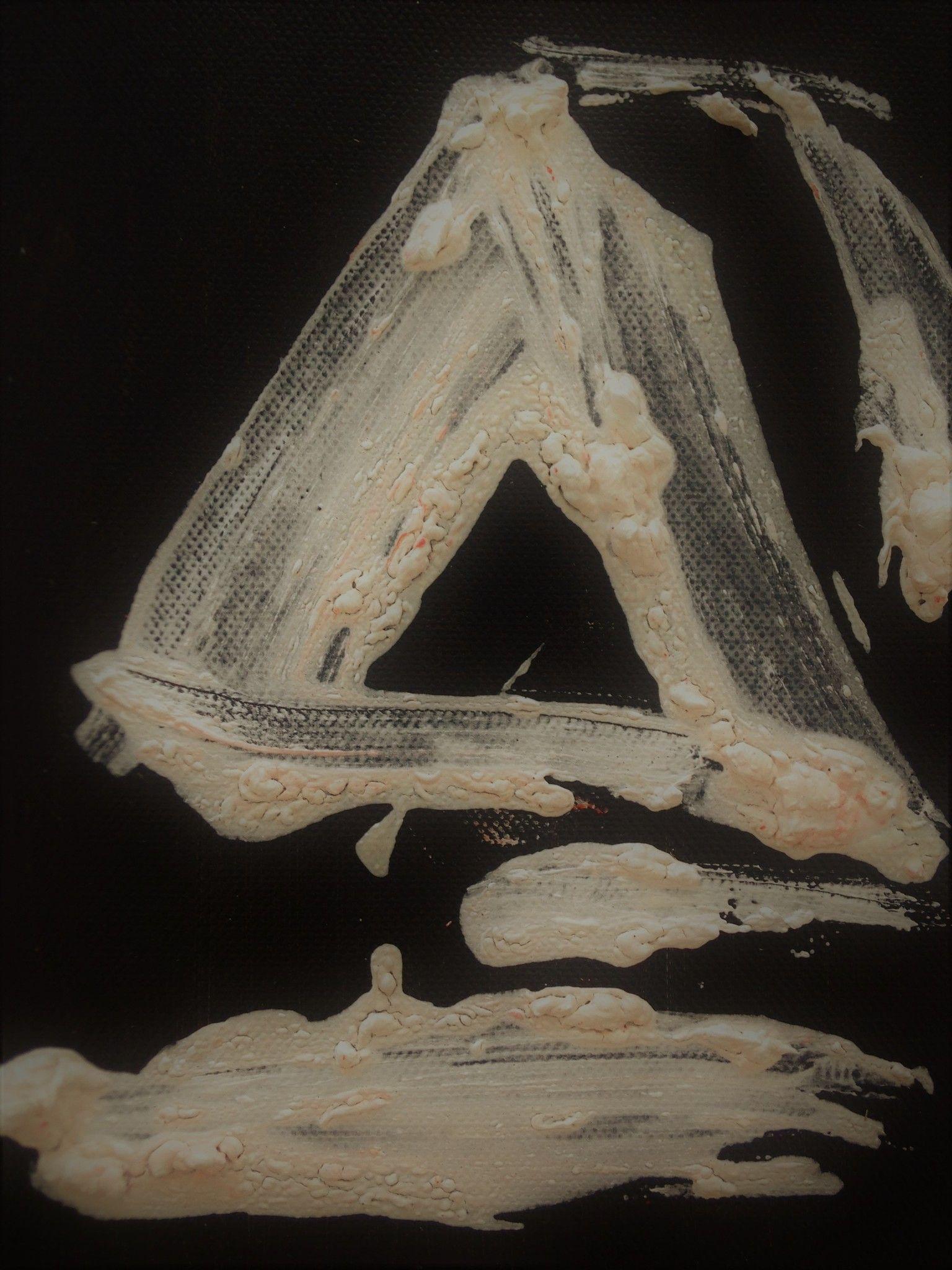 MIXED MEDIA  GABRIELLA TOLLI ' PRISMA-CUBO-PIRAMIDE '  dimensioni L 54 x H 24 cm.