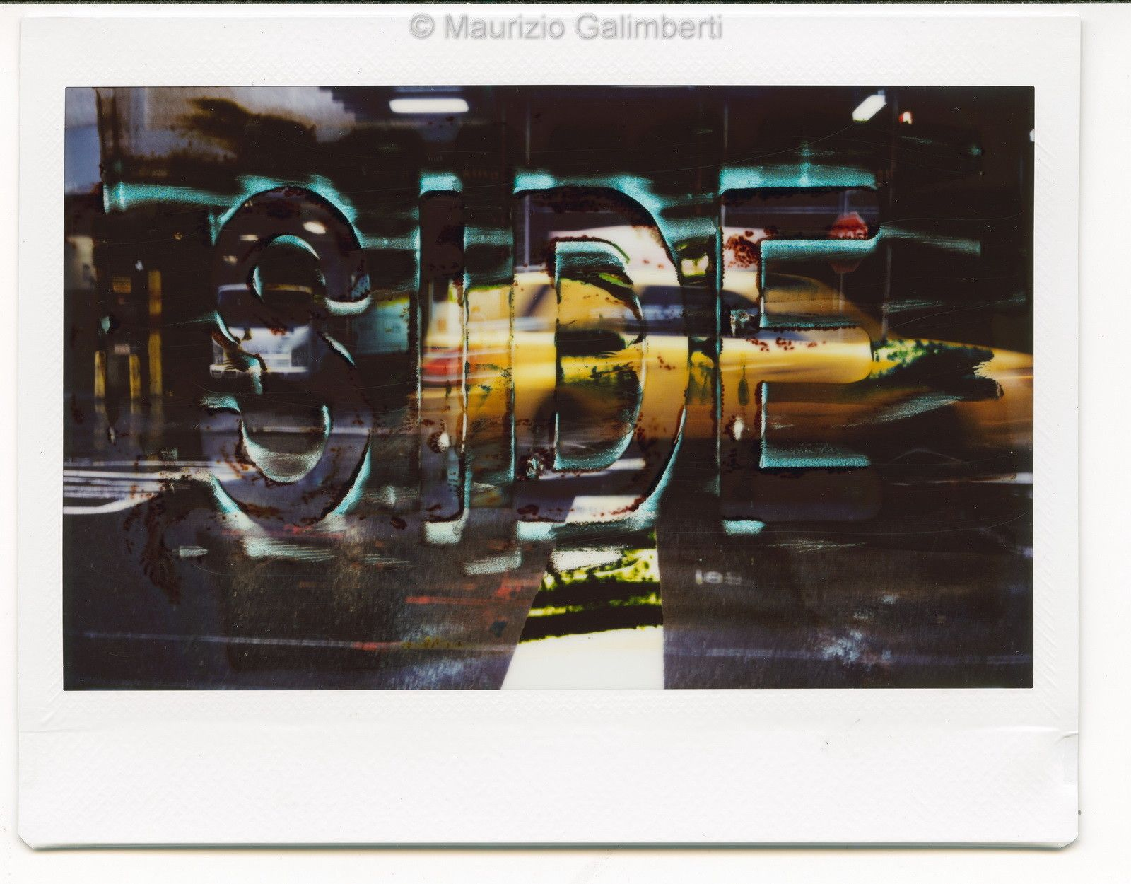 "VINTAGE POLAROID MAURIZIO GALIMBERTI ""SIDE FUJI""  dimensioni L 32 x H 34 cm."