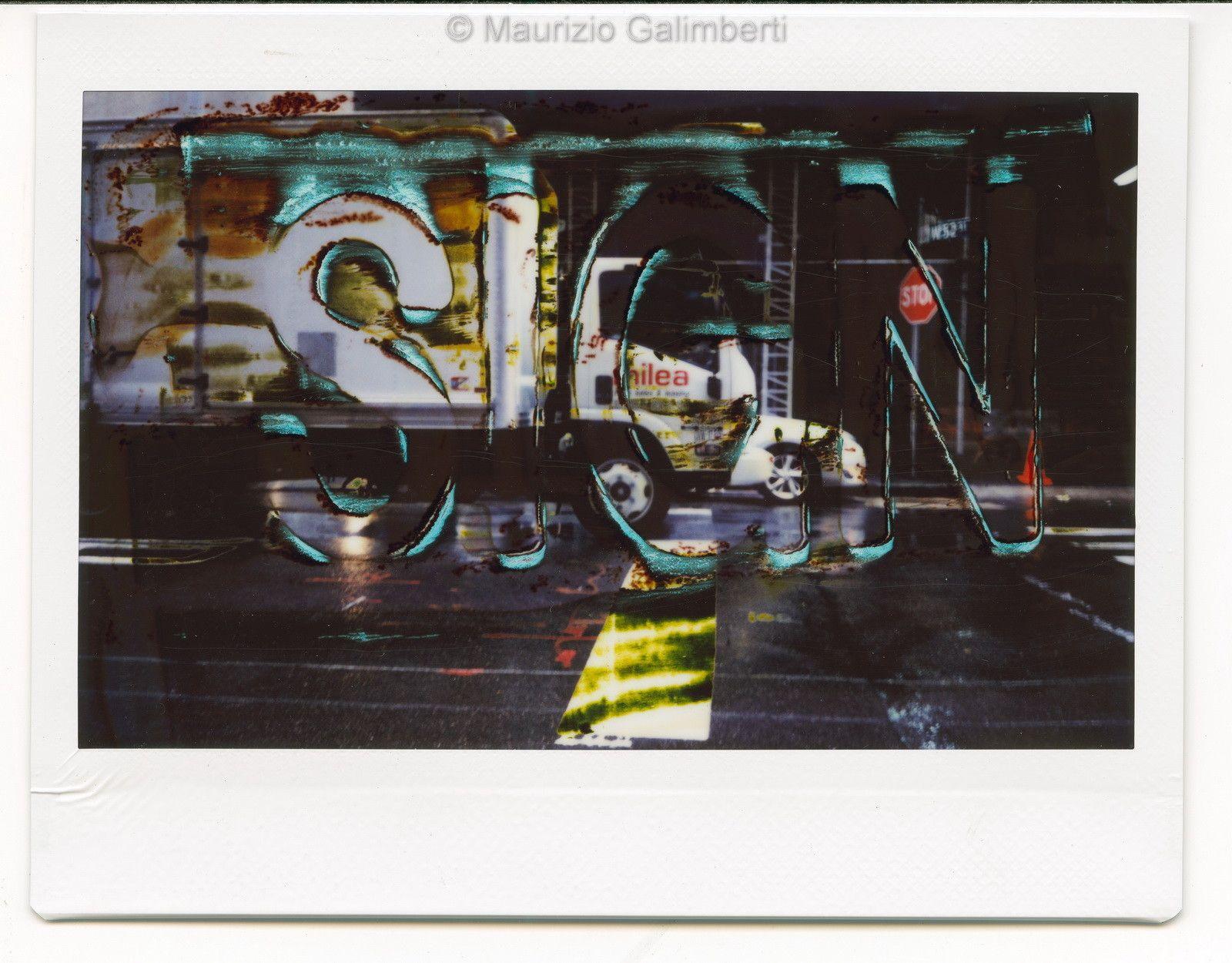 "VINTAGE POLAROID MAURIZIO GALIMBERTI ""FUJI SIGN 010"" dimensioni cm. 32x34"
