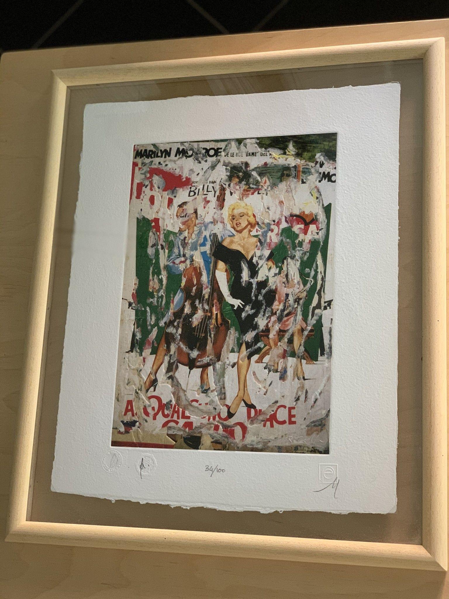 """SERIGRAFIA MIMMO ROTELLA """" A QUALCUNO PIACE CALDO""""  dimensioni  L 52 x H 62 cm.,"""