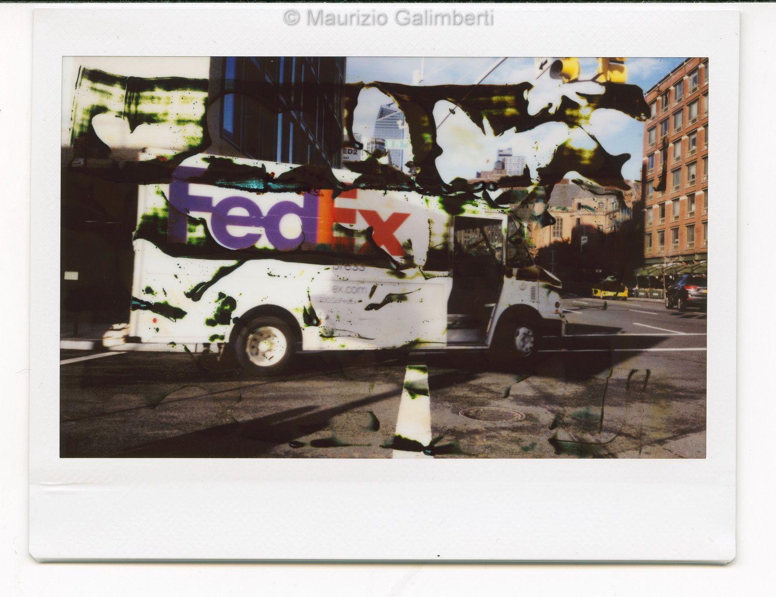 VINTAGE POLAROID MAURIZIO GALIMBERTI 'FEDEX FUJI'  dimensioni cm. 32x34