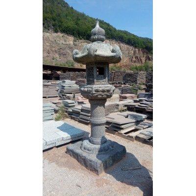 Lanterna orientale di granito per giardino Top Center Porfido