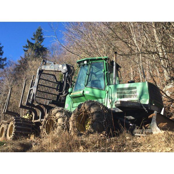 Forwarder forestale John Deere 1110D