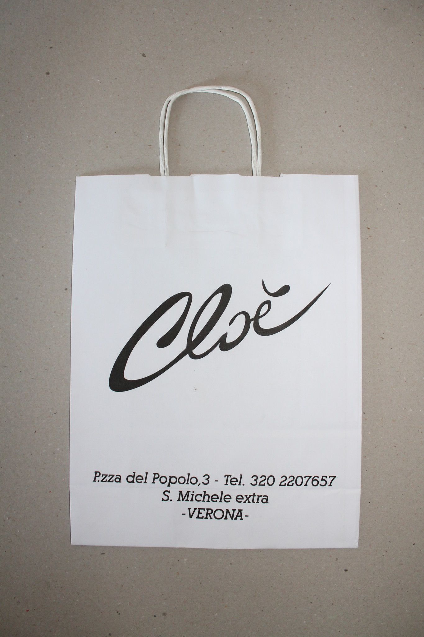 Shopper carta kraft bianco stampato cordino ritorto in carta 45+15x49 cm gr. 110
