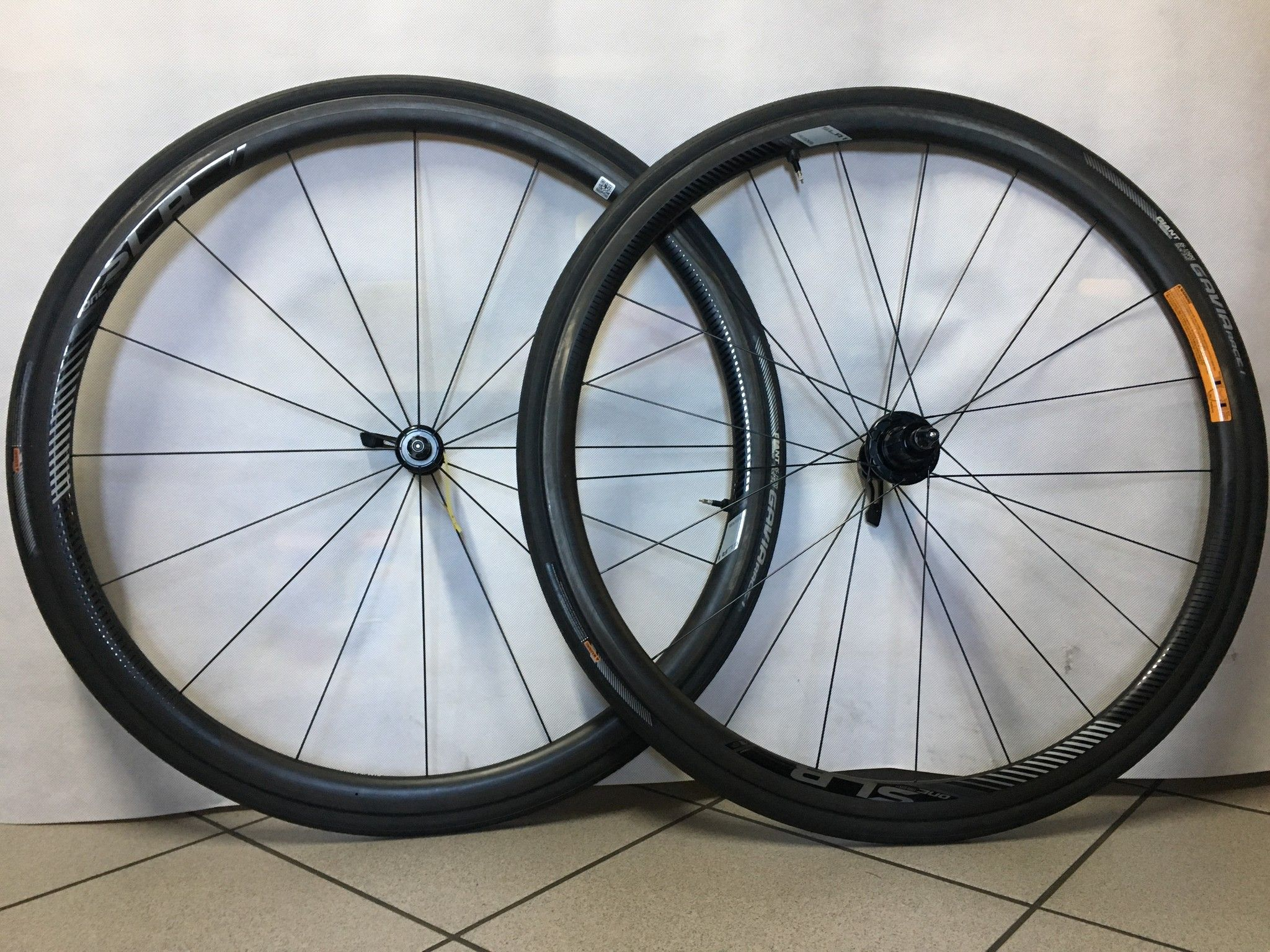 RUOTE GIANT SRL1 CARBON H.30 TUBELESS