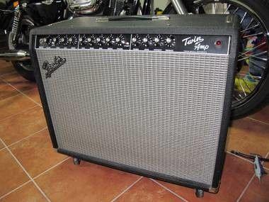 Amplificatore Fender Twin Amp Valvolare 100 Watts per Chitarra